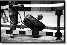Matt Stuart - Photographe situationniste exceptionnel
