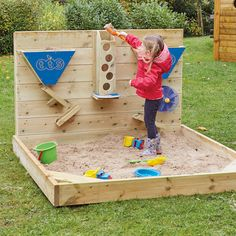 Outdoor Wooden Sand Wall A fantastic addition to any outdoor play area, a brilliant resource for investigation and outdoor play.