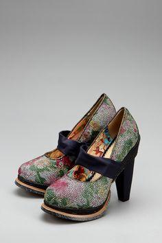 Серые туфли на каблуке Irregular Choice