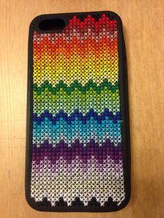 Cross stitch chevron iPhone case Weaving Patterns, Bead Patterns, Cross Stitch Patterns, Cross Stitching, Cross Stitch Embroidery, Phone Cover, Plastic Canvas, Needlepoint, Chevron