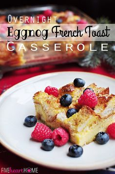 Overnight eggnog french toast casserole ~ perfect make ahead breakfast for christmas morning! fivehearthome com is this not the cheesiest french toast you ve ever seen Christmas Breakfast Casserole, Christmas Morning Breakfast, What's For Breakfast, Christmas Brunch, Christmas Baking, Family Christmas, Christmas Meals, Brunch Casserole, Holiday Dinner