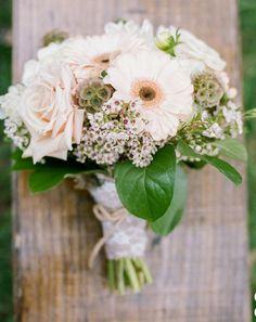 Pale bouquet #wedding #bridesmaids