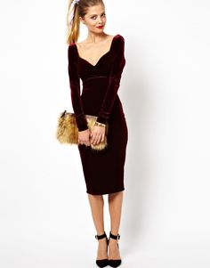 aw this would be a nice christmas dress