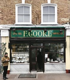 THE place to go for hot jellied eels. 🐍  Ok, I will admit that I haven't tried their eels. But I'm heading over to @townhallhotel this afternoon for their first film screening of Lock, Stock and Two Smoking Barrels, and I'll be sampling Cooke's pie and mash while I'm there. 😋  Cooke's is one of the few surviving eel, pie and mash shops which were once commonplace in London - the other one you might have seen is M. Manze, which has shops in Peckham and near Tower Bridge. This particular…