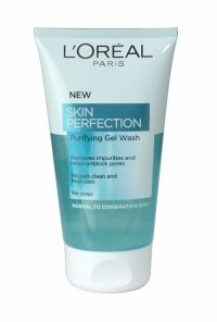 Loreal Skin Perfection Purifying Gel Wash 150ml Designed for normal to combination skin, is proven to remove make-up and impurities and reveal a better skin texture. The transparent gel wash, infused with purifying actives, deeply removes impurities for an intense fresh sensation. Reveals clean and fresh skin Beyond a clean feel, the Purifying Gel Wash reveals crystal-clear and fresh sk
