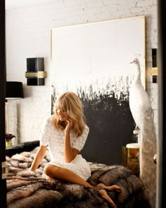 over-sized painting as a headboard, and don't miss the fab white peacock. Black And White Painting, Black And White Abstract, White Art, Black White, White Gold, Large Black, Black Art, Painting Inspiration, Design Inspiration