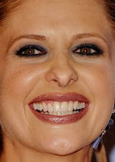 Celebrity photos that are really close-up. Celebrities with bad skin,. Perfect Teeth, Perfect Smile, Sarah Michelle Gellar, Celebrity Photos, Close Up, Real Life, Stamps, Celebs, Female