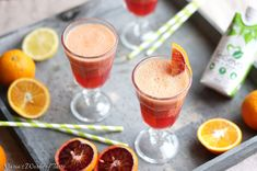 A festive margarita recipe using fresh pomegranate juice. The perfect cocktail for any and all holidays that call for a little tequila. Pomegranate Margarita, Blood Orange Margarita, Margarita Recipes, Cocktail Recipes, Cocktails, Raspberry Mojito, Fresh Lime Juice, Healthy Dishes, Vegan