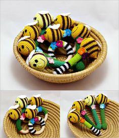 egy kupac méhes csörgő / a pile of bee rattles #crochet #rattle #bee #horgolt #csörgő #méh