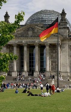 Reichstagsgebäude - Berlin, Germany | Flickr - Photo by visitBerlin