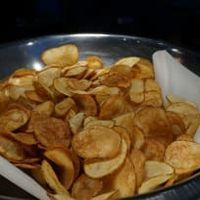 Air Fryer Potato Chips by Oil Free Frying - Air Fryer Recipes Air Fryer Chips, Air Fryer Potato Chips, Air Fry Potatoes, Power Air Fryer Recipes, Air Fryer Oven Recipes, Air Fryer Recipes For Chicken, Air Fryer Recipes Potatoes, Chicken Recipes, Actifry Recipes