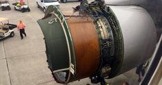 #MONSTASQUADD Engine Cover Blows Off on United Airlines Flight