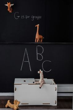 Project Nursery - Chalkboard Wall in this Modern Animal Nursery Safari Room, Baby Decor, Kids Decor, Animal Print Shop, Le Logis, Deco Kids, Project Nursery, Nursery Ideas, Playroom Ideas