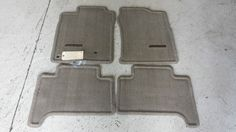 NEW OEM TOYOTA 4RUNNER TAN(TAUPE) FLOOR MATS & CLIPS