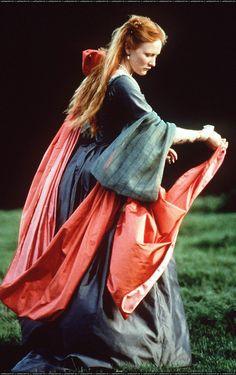 Cate Blanchett as Elizabeth I inElizabeth (1998)