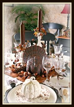 Martha S. did a table like this with a molded chocolate turkey.  This could be her photo.