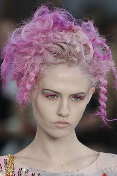 Charlotte Free's cotton candy hair