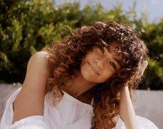 dedicated to beautiful & talented actress, singer and dancer, Zendaya / Pelo Zendaya, Moda Zendaya, Zendaya Mode, Zendaya Style, Zendaya Coleman, Curly Bangs, Hair Bangs, 4c Hair, Hair Colors