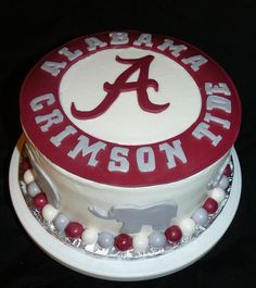 Feb gifts of red) the gift of the Crimson Tide.our family has been Bama fans for years.it has been a gift to share Bama football as a family! the gift of red toe nail polish.love some red toes during the summer time! Alabama Birthday Cakes, Alabama Grooms Cake, Alabama Cakes, Alabama Crimson Tide, Roll Tide, Cute Cakes, Cupcake Cookies, Let Them Eat Cake, Amazing Cakes
