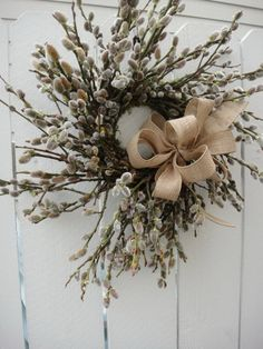 Pussy Willow wreath with burlap bow, such a pretty way to bring Spring to your entry! Diy Wreath, Door Wreaths, Burlap Wreath, Ikebana, Willow Wreath, Spring Home Decor, Burlap Bows, Summer Wreath, How To Make Wreaths
