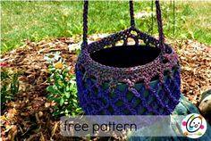 free crochet pattern using red heart yarn.