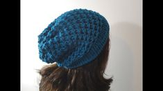 How to Loom Knit a Slouchy Beanie Hat (DIY Tutorial). This step-by-step tutorial shows you how to knit a slouchy beanie hat using a circular loom of diameter and 41 pegs. In this tutorial you will learn: - How to cast on stitches on the loom - How to Round Loom Knitting, Loom Knitting Projects, Loom Knitting Patterns, Knitting Videos, Knitting Stitches, Knitting Looms, Knitting Tutorials, Knitting Machine, Crochet Projects