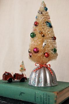 Bottle Brush Tree & Vintage Jello Mold (Christmas Decor)