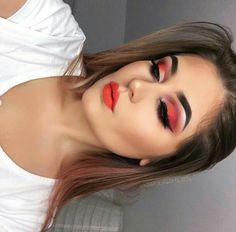 Redes makeup Sexy Makeup, Lip Makeup, Red Eyeshadow, Pure Beauty, Fascinator, Women Wear, Beautiful Women, Make Up, Lips