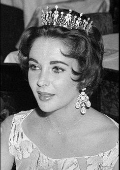 Elizabeth Taylor wearing the tiara