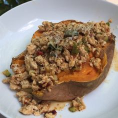 Try this post workout sweet jacket potato with spicy Harissa Turkey mince It don't look all that but tastes unreal Bodycoach Recipes, Joe Wicks Recipes, Clean Eating Recipes, Healthy Eating, Cooking Recipes, Eating Clean, Healthy Food Options, Healthy Recipes, Sweet Potato Jacket