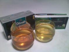 Tehcelup  dari Srilanka. Kiri: green tea with orange flavor, kanan: original greentea