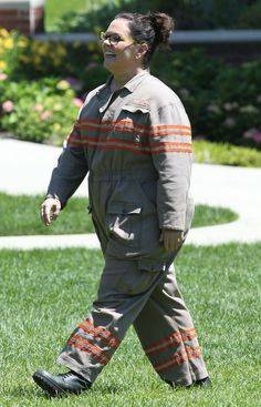 Pin for Later: See Melissa McCarthy Decked Out in the Ghostbusters Uniform on the Set! Female Ghostbusters, Ghostbusters 2016, Ghostbusters Costume, Proton Pack, Leslie Jones, Film Movie, Movies, Costume, Films