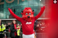 #FredtheRed smile for the fans - captured outside #OldTrafford before the 2013 end of season Victory Parade #Manchester