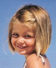Little Girl Haircuts 2014 Hair cuts for little girls Little Girl Short Haircuts, Short Hair For Kids, Cool Haircuts For Girls, Little Girl Hairstyles, Long Bob Hairstyles, Hairstyles With Bangs, Female Hairstyles, Bangs Hairstyle, Summer Hairstyles