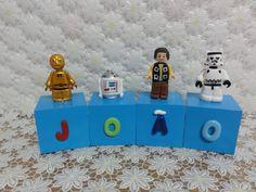 Cubos Lego Star Wars - JOÃO Cubos em madeira (mdf), pintados, envernizados e decorados com letras e personagens modelados em biscuit.