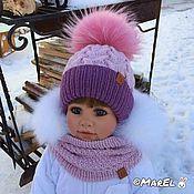 Купить или заказать 'Алина'- комплект (шапочка+снуд) в интернет-магазине на Ярмарке Мастеров. -Красивый комплект для маленькой принцессы, которую зовут Алина, в её честь он и назван)))). Цветовая гамма пряжи и меха соответствуют цвету зимней одежды! Все поле шапочки (вкруговую) усеяно стразами. -Снуд и шапочка связаны спицами вкруговую (без швов), подклад у шапочки связан крючком. -СНУД - прекрасная альтернатива шарфику, очень практичен, удобен и моден!))). Kids Hats, Crochet For Kids, Baby Hats, Winter Hats, Crochet Hats, Knitting, Creative, Caps Hats, Breien