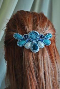 "Купить заколка автомат на волосы ""Голубая стрекоза"" - бирюзовый, заколка для волос, заколка-автомат Ribbon Jewelry, Bead Embroidery Jewelry, Beaded Embroidery, Hair Barrettes, Headbands, Hair Jewellery, Fashion Accessories, Hair Accessories, Hair Beads"