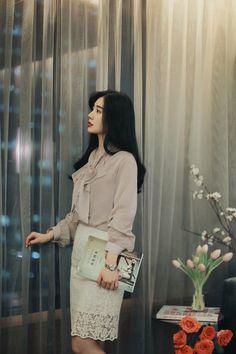 daily 2018 feminine& classy look Stylish Dress Designs, Stylish Dresses, Korean Fashion Trends, Asian Fashion, How To Look Classy, Girl Model, Aesthetic Fashion, Ulzzang Girl, Get Dressed