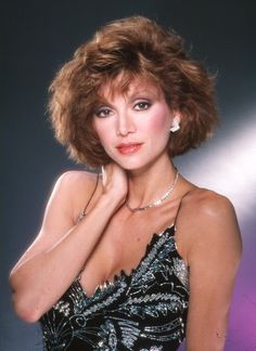 The dramatic change of US actress Victoria Principal, who played Pamela Barnes Ewing in Dallas, over the years. Victoria Principal, Fukuoka, Serie Dallas, Dallas Tv Show, Old Hollywood Stars, Vintage Hollywood, Female Actresses, Actors & Actresses, Us Actress