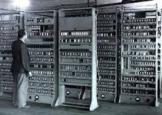 EDVAC was developed by John Mauchly and John Presper Eckert in 1949 with the help of John von Neumann. Personal Area Network, Essay On Education, Bletchley Park, Writing Software, Web Design, Memoria Ram, Great Inventions, Old Computers, Information Technology