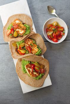 pea guacamole seared halloumi tacos + 4 other delicious meals in this week's meal plan.
