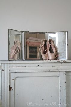 Still life with pointe shoes. From Servies en Brocante.