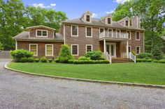 IMMACULATE HOME WITH POOL SOUTHAMPTON, NY 5 Beds | 5 Baths 3000 sq ft OFFERED AT $1,499,000