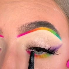 Colourful Eye Makeup Ideas ( Stylio Cosmetics is a cosmetics brand. Free Worldwide Delivery ) By: Be Makeup Eye Looks, Eye Makeup Steps, Eye Makeup Art, Crazy Makeup, Eyeshadow Makeup, Retro Makeup, Disney Eye Makeup, Cute Eye Makeup, Pink Eyeliner