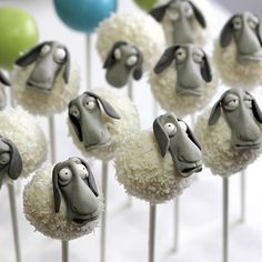 Sheep Cake Pops - satin.ice