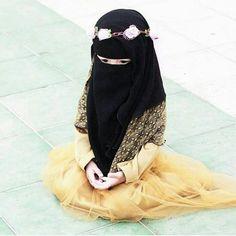 Queens of islam Hajib Fashion, Muslim Fashion, Kids Fashion, Hijabi Girl, Girl Hijab, Muslim Girls, Muslim Women, Cute Baby Girl, Cute Girl Pic