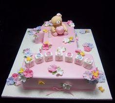 Lecker und süß - schöne Torte zum ersten Geburtstag