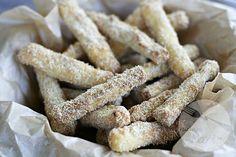 Frytki z cukinii panierowane w parmezanie