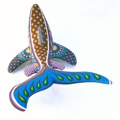 This shark features the ever festive Fuentes coloring. Very elaborate over the top flashy look. Mexican Home Decor, Colorful Animals, Fish Art, Wood Carvings, Opals, Shark, Polymer Clay, Mexico, October