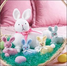 Easter Bunny & Babies - free crochet pattern.